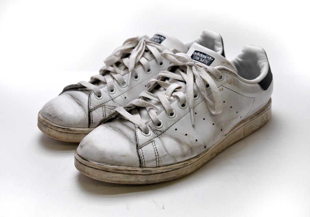白 革靴 手入れ